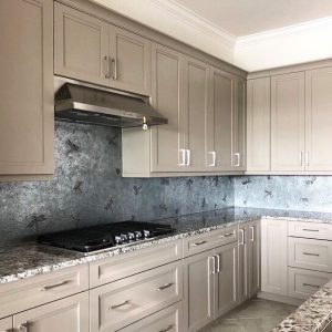 Seamless back splash - private residence